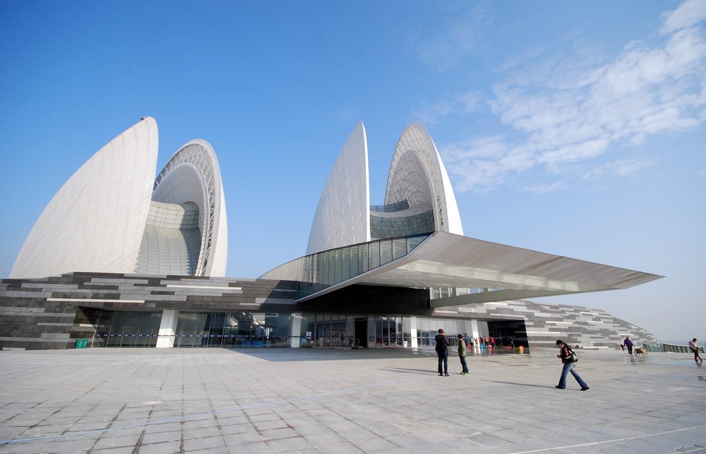 Zhuhai opera house marshall day acoustics for Beijing opera house architect